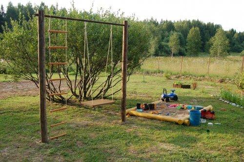Вам по плечу виготовити саморобні гойдалки для дачі з металу і дерева