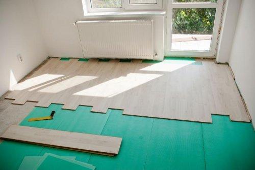 Як стелити ламінат на дерев\яну підлогу