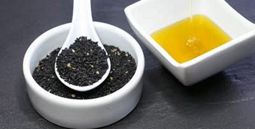 Застосування масла чорного кмину для краси і молодості