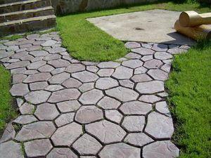 Тротуарна плитка: існуючі види і технології, виготовлення плитки в домашніх умовах