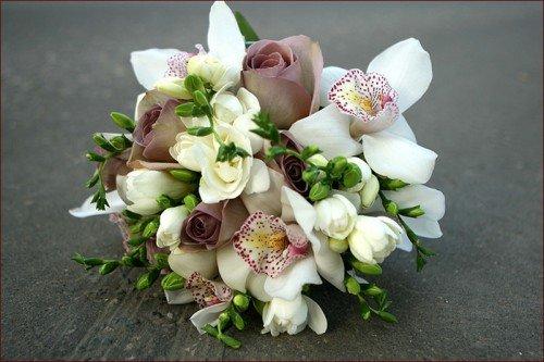 Весільний букет з орхідей