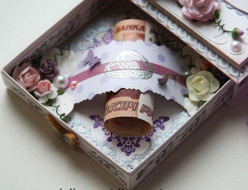 Весільний подарунок грошима — скільки і як дарувати?