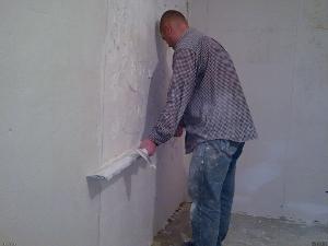 Вирівнювання стін за допомогою гіпсокартону або штукатурки своїми руками