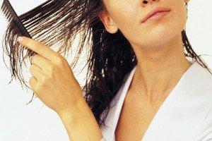 Яблучний оцет для волосся: забутий рецепт краси та здоров\я