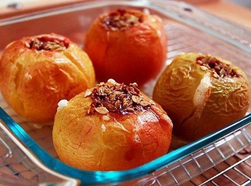 Яблука, запечені в духовці – рецепт запечених яблук