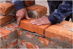Як кріпити гіпсокартон до стіни з цегли, бетону, пінобетону, дерева