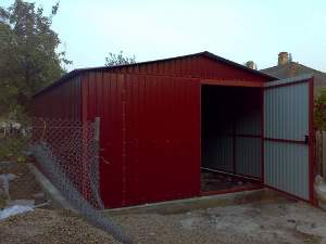 Як побудувати гараж з профнастилу своїми руками?