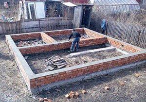 Як своїми руками побудувати надійний фундамент для будинку
