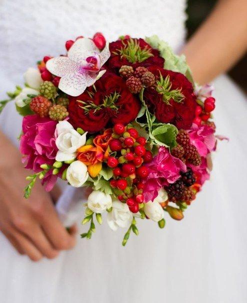 Залежність вибору букета нареченої від весільної сукні