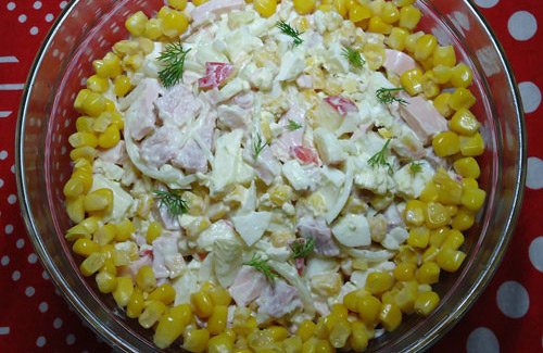 Смачний рецепт салату з копченого м\яса