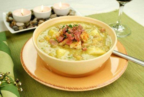 Готуємо суп гороховий з ароматною копченої рульки