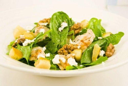 Копчена курка в салаті: смачно і корисно