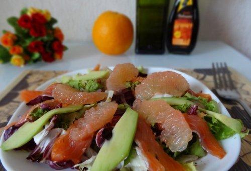 Копчена сьомга — варіанти салатів