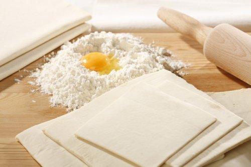 Оригінальні рецепти приготування пирога з копченою куркою