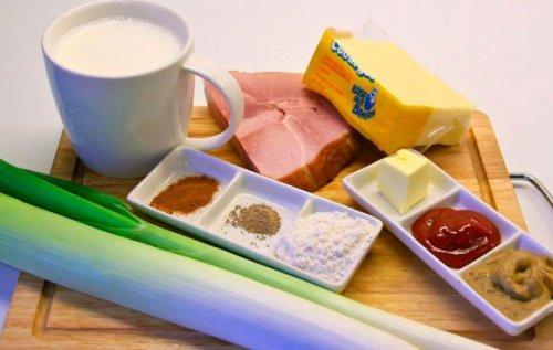 Сирний суп з копченостями — особливе блюдо