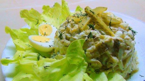 Смачні салати з тріска гарячого копчення