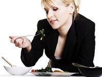 Режим харчування для працюючої жінки. Міф чи реальність?