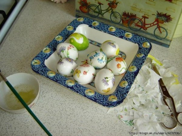Декупаж великодніх яєць своїми руками.