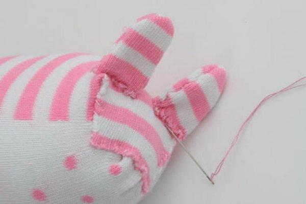 Конячка з шкарпеток своїми руками.