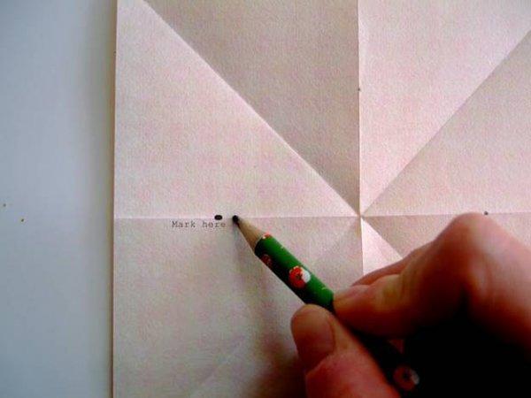 Новорічні прикраси, восьмикутна зірка з паперу.
