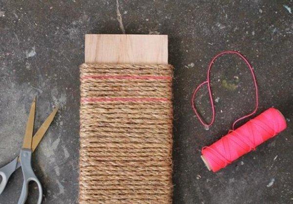 Підвісна когтеточка з мотузки своїми руками.