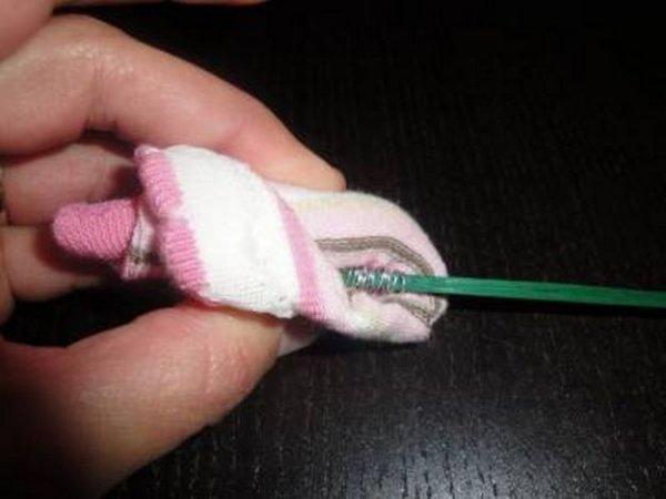 Подарунковий букет з шкарпеток своїми руками.