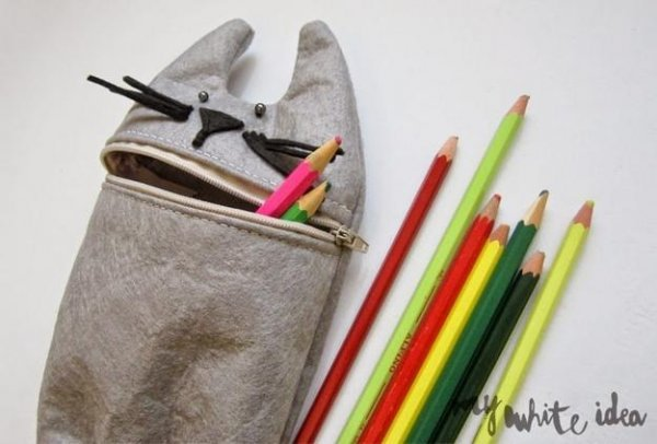 Шиємо кумедний пенал для олівців своїми руками.