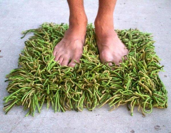 В\яжемо килимок у вигляді трави своїми руками.