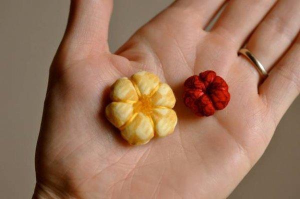 Як зробити об\ємні квіти своїми руками?