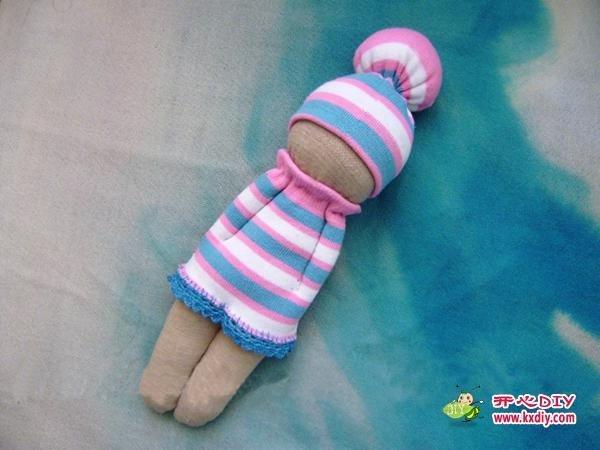 Забавна лялечка з носка своїми руками.