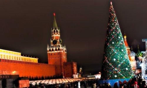 Кремлівська новорічна ялинка – незмінний символ