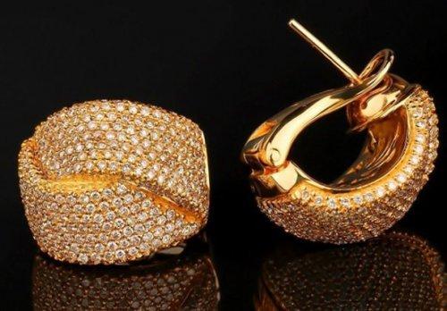 Кращі модні золоті сережки 2017 року: 20 фото виробів