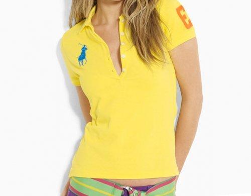 Модні жіночі футболки 2017 року: кращі для літа