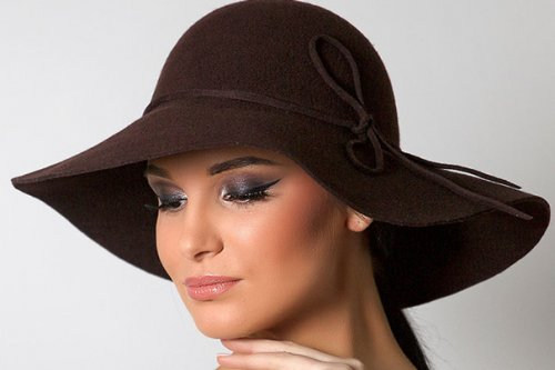 Модні жіночі капелюхи 2017 року