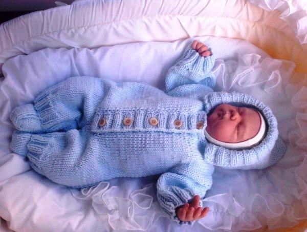 38cb58120f06bc716bf8390da2a63c75 Вяжем для новонародженого 0 3 місяців   костюми спицями 8e40842cb13c0