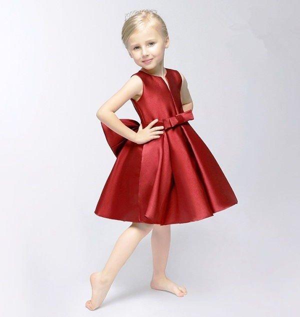 8bf7be04200283176d4112a7ae4e5627 Випускні сукні для дівчаток в дитячому  саду  вибираємо пишність і довжину 589b21453089e