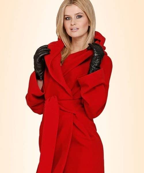 Модні фасони прямого жіночого пальто з капюшоном. Як і з чим носити ... aa5b272c144e3