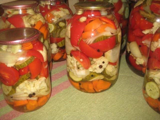 ассорти из овощей на зиму с капустой без стерилизации на зиму