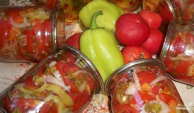 салат на зиму из перца и помидор и капусты пальчики оближешь