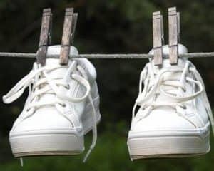 Як відбілити білі кросівки  5a9a56b81bbf8
