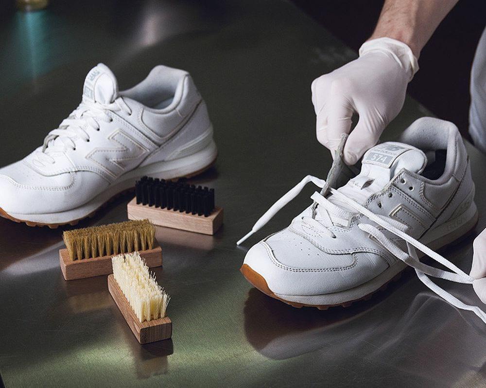 6c26482e7e12d2219f91da9438c930f5 Як відмити білу підошву на кросівках від  бруду в домашніх умовах df0e81b545551