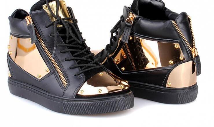 Які кросівки зараз в моді 2018  жіночі нові колекції e17d1d44d3655