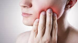 з герпесом на губах Лікувати зуби чи ні, коли пацієнт прийшов з герпесом на губах?